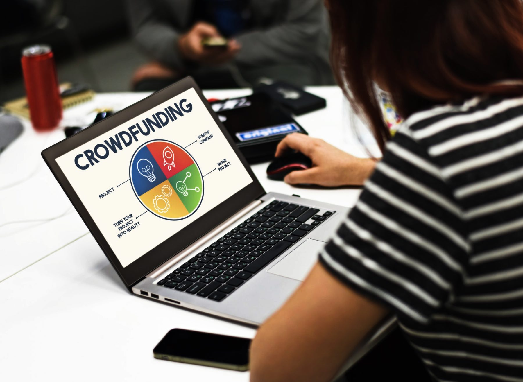 Vital issues to conduct a successful crowdfunding campaign in the digital era